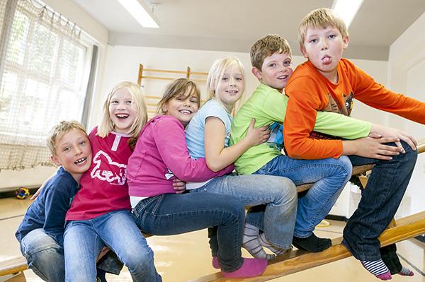 Schule und FRÖBEL-Hort als \